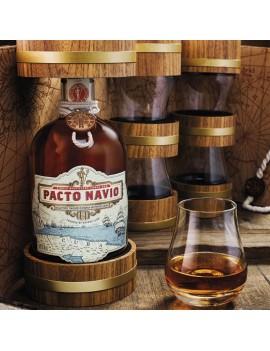 Rhum Pacto Navio avec verres